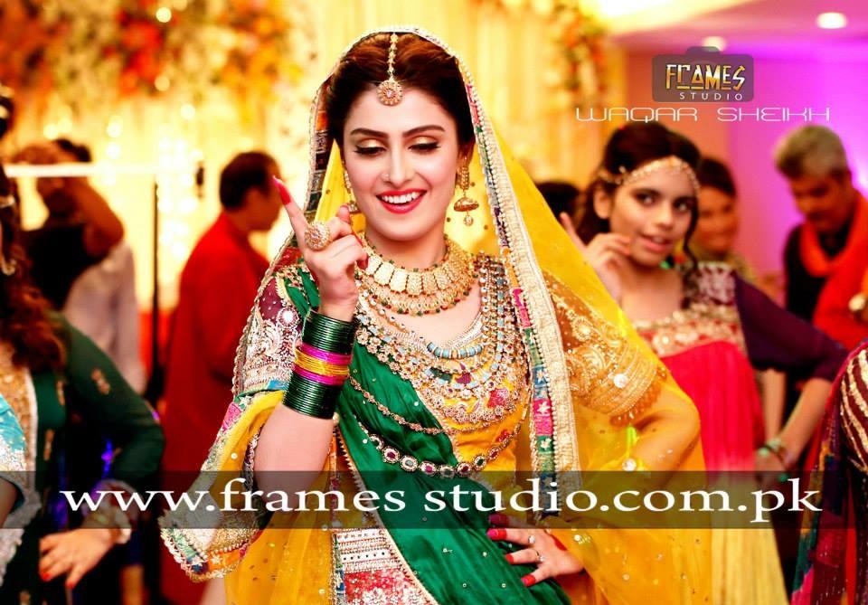 Ayeza-Khan-Mehndi-photo-shoot (1)