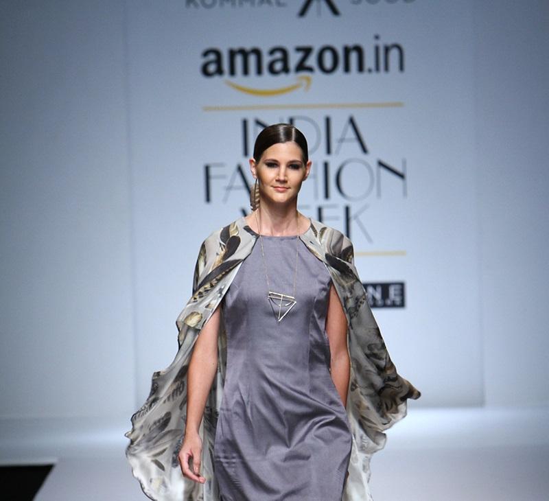 Kommal-Sood-summer-2016-2017-at-Amazon-India-Fashion-Week