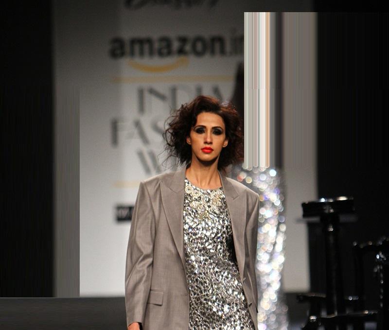 Prashant-Verma-summer-2016-2017-at-Amazon-India-Fashion-Week (2)