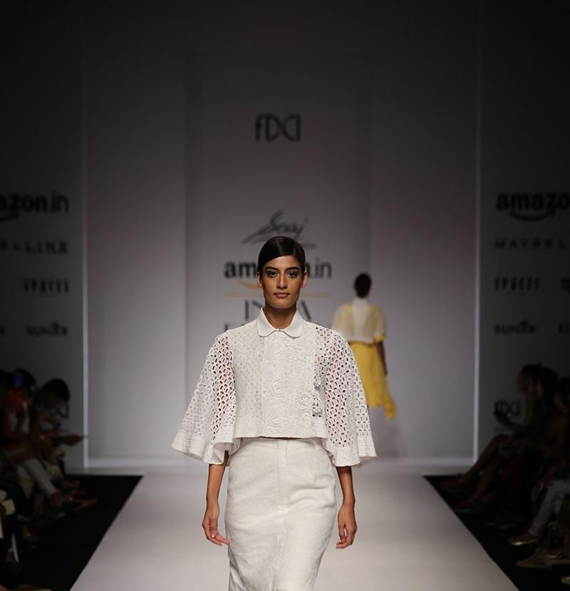 Saaj-summer-2016-2017-at-Amazon-India-Fashion-Week (2)