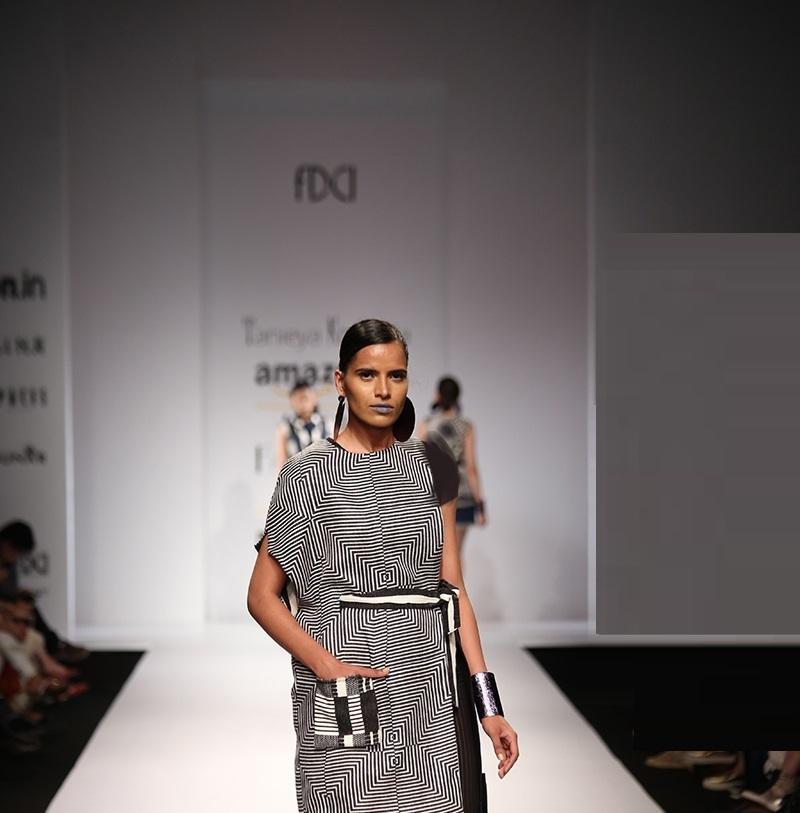 Tanieya-Khanuja-summer-2016-2017-at-Amazon-India-Fashion-Week (2)