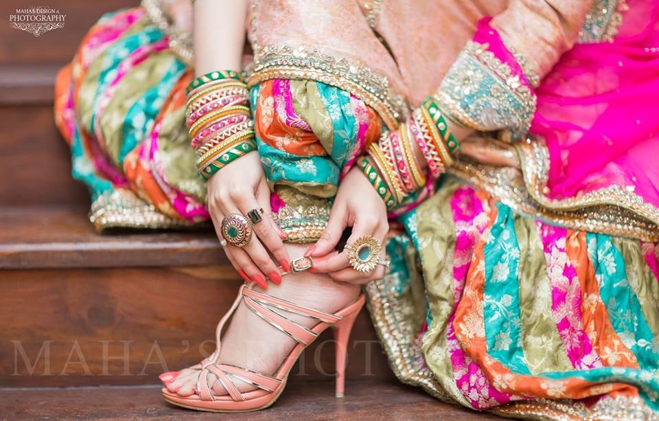 Wedding-Ghagra-Choli-Designs-for-Mehndi-Functions (17)