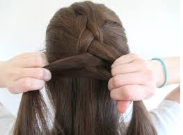 how to do french braid3