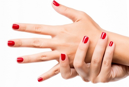clean nails after manicure