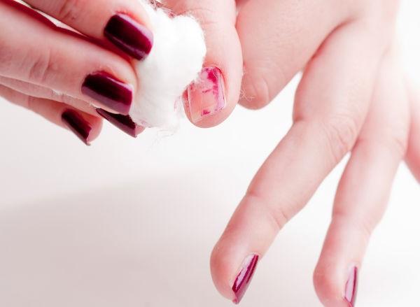 removing nail polish from nails