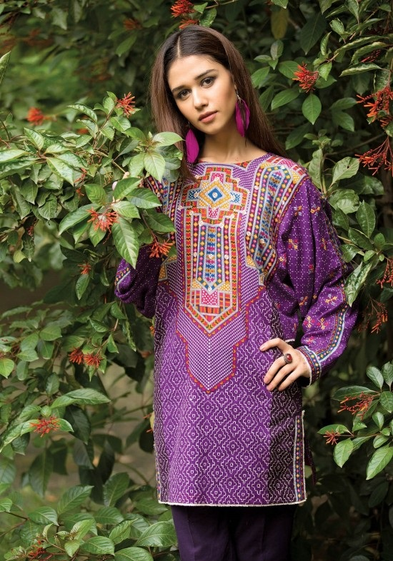 kayseria embroidered khaddar winter suit