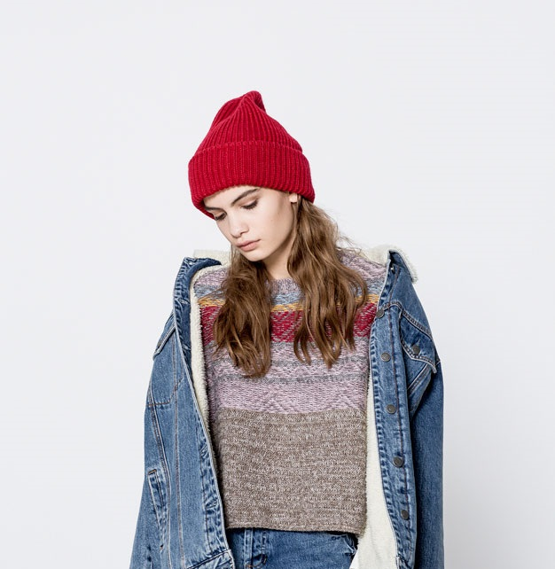 front lined short sweater for fall season