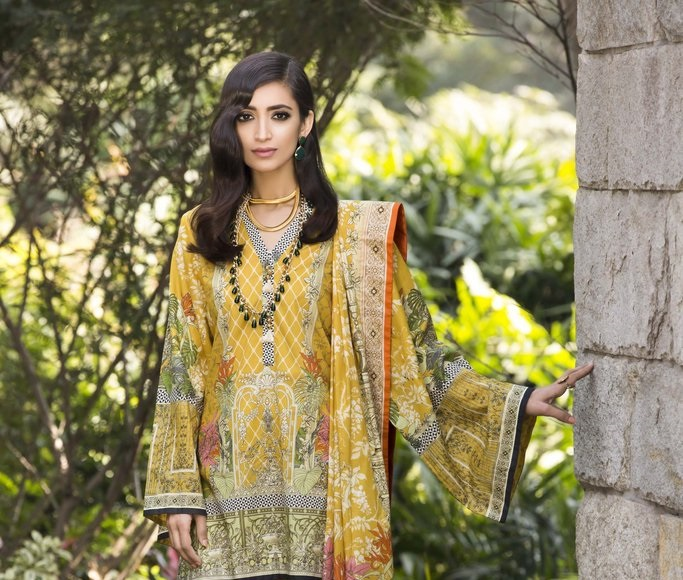 yellow printed lawn dress with voile dupatta by Sapphire Lawn