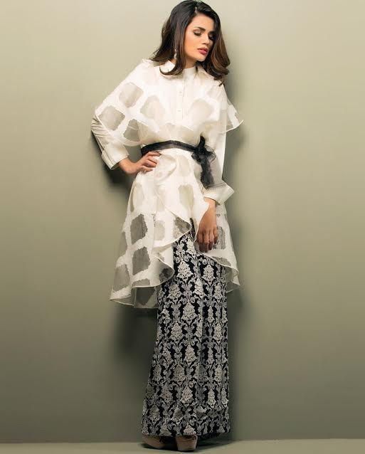 White Organza Waist Belt Evening wear outfit with black and white trousers