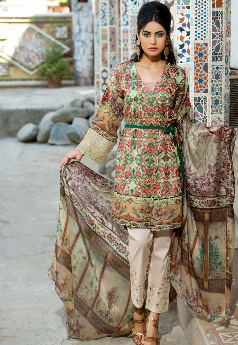 Warda Designer Floral Embroidered Eid outfit for women